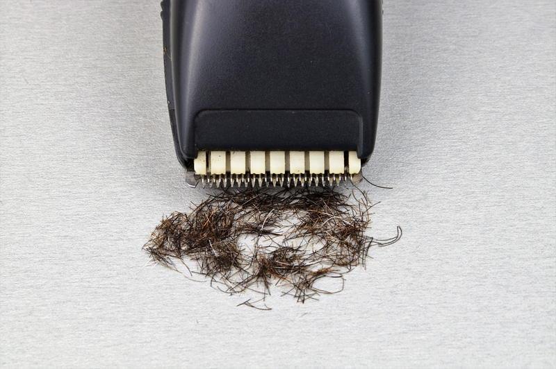 Przyczyny łysienia plackowatego